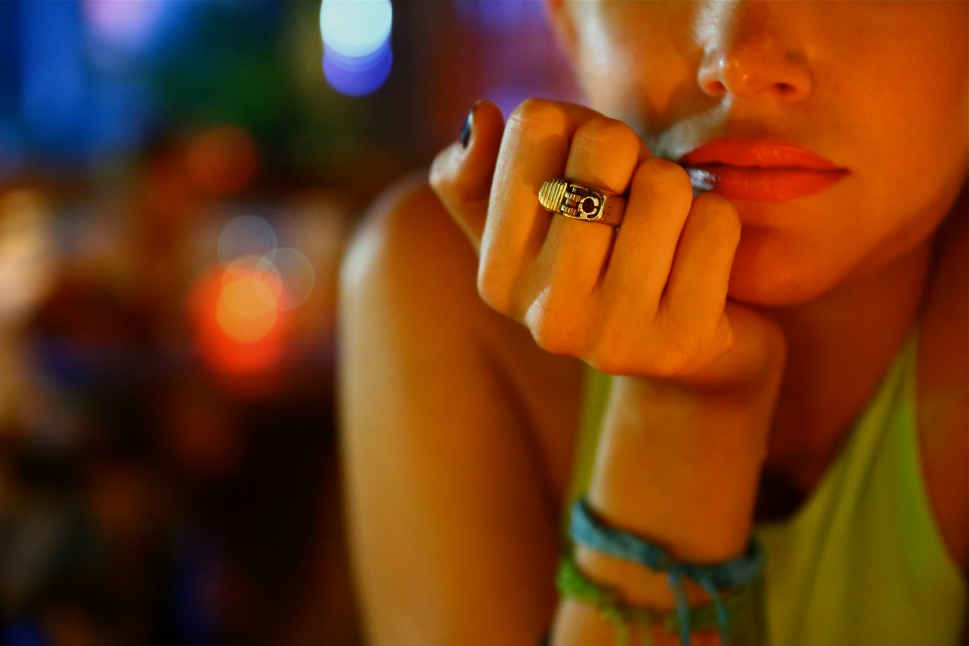 Defy ring